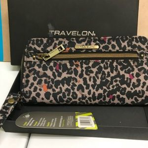 Travelon wallet.